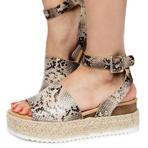 SODA Topic Sandals Espadrille Sz 6 Natural Python